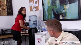 Naughty America – Brunette Babe Francesca Lee Gets Nailed In The Office