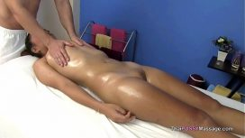 Thai Pussy Massage – Little Asian Girl Receives Oil Massage
