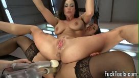 Pump Loving Lesbo Milf Drilled With Machine