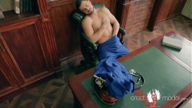 Erect Model – Xxx Gay Doctor Man Masterbating Right On The Work Table