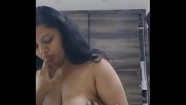 Hot And Chubby Indian Aunty