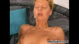 Amateurity – 2 Amateur Milf Share One Big Cock With Cumshot German Video