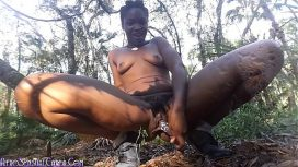 Carla Cain – Wild Girl Wooded Outdoors Squirting Masturbation African Vid
