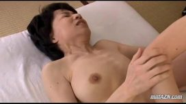 Mature Woman With Hairy Pussy Fingered And Licked By Young Guy On The Mattress Philippines Sex