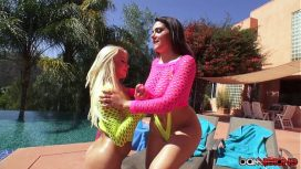 Bam Visions – Anikka Albrite – Anikka And Valentina Play With Their Asses Then Share A Cock Vale Nappi  Lesbi Vid